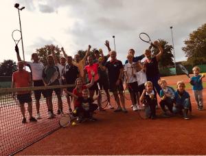 Alle deelnemers van tennistoernooi De Burghten